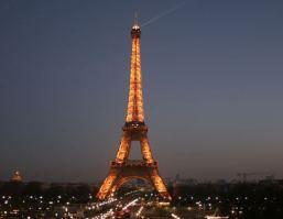 Explosion und Schießerei in Paris während Fußballspiel